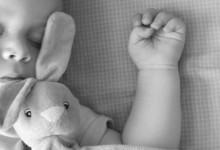 Schlafrhythmus bei Babys – Im ersten Jahr verändert sich der Schlafbedarf öfter
