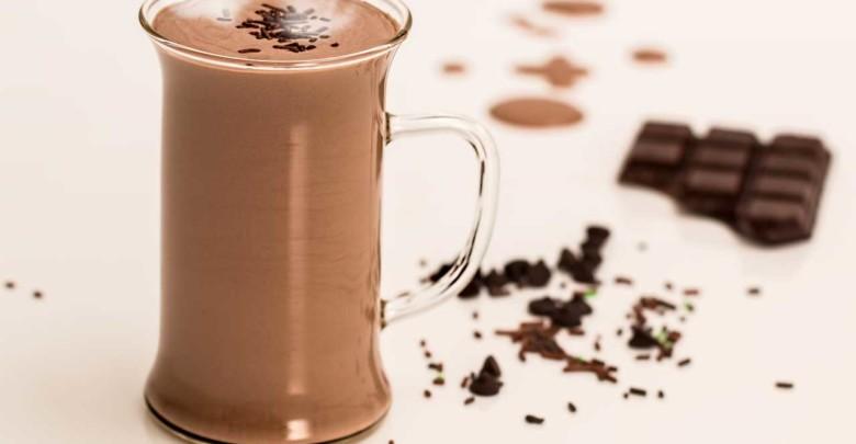 Schlafhilfe warme Milch oder Kakao