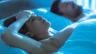 Immer mehr Deutsche haben nachts Probleme beim Einschlafen. Bildquelle: Realstock – 674033656 / Shutterstock.com